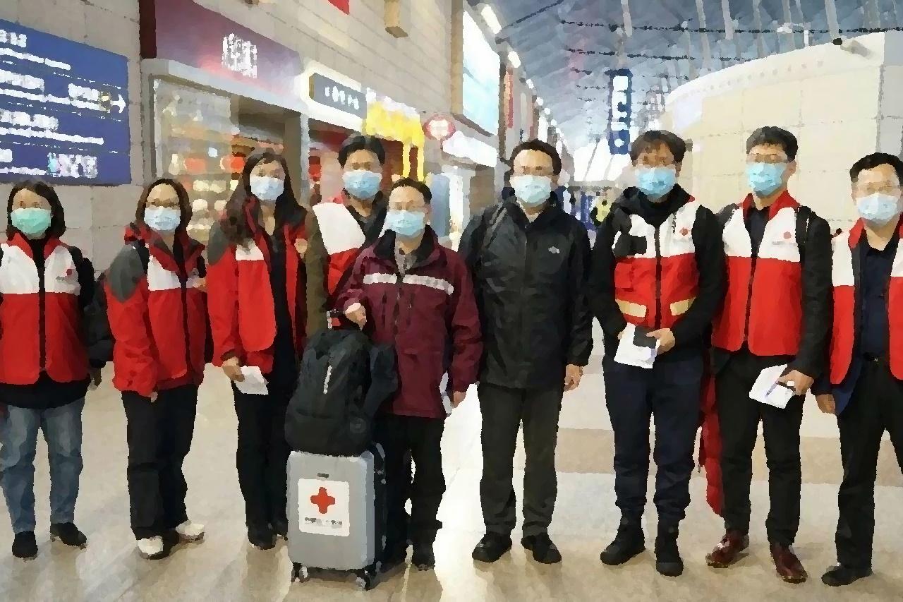 Medici cinesi : 'avete fatto ottimo lavoro'